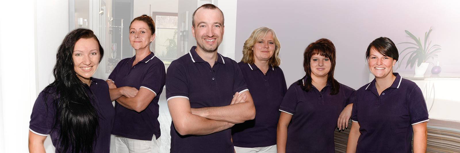 Das Zahnarzt Team aus Baiersdorf und sein Chef: Dr. Trabandt
